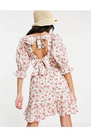 New Look Women Casual Dresses - Tie back shirred smock dress in floral