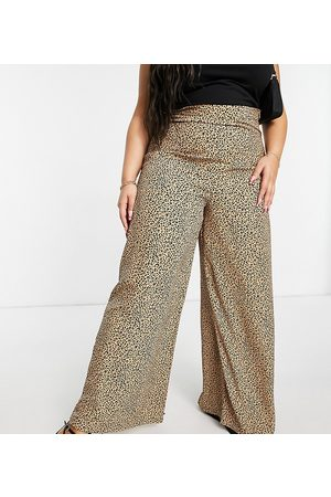 Glamorous Curve Wide leg high waisted trousers in leopard print-Multi