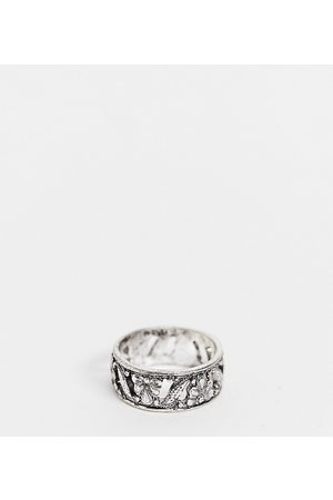 Reclaimed Vintage Inspired the burnish band ring with flower detail