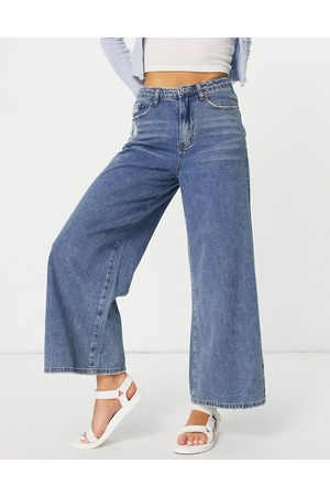 Signature High waisted wide leg jean in mid wash