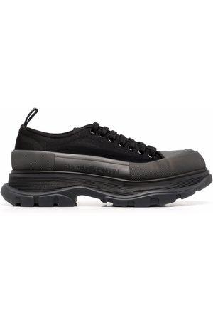 Alexander McQueen Men Sneakers - Tread Slick low-top sneakers