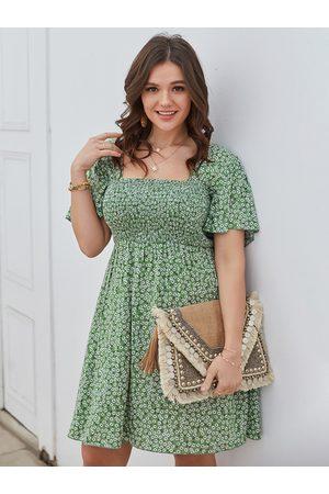 YOINS Women Midi Dresses - Plus Size Square Neck Calico Shirring Short Sleeves Dress