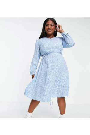 Daisy Street Long sleeve midi dress with ruched front in floral ditsy print
