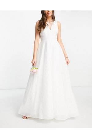Y.A.S Bridal maxi dress with textured tulle skirt and v back in