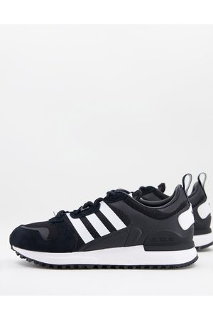 adidas ZX 700 HD trainers in