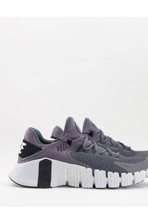 Nike Training Free Metcon 4 trainers in