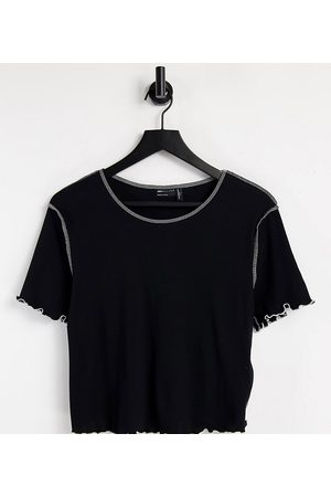 ASOS ASOS DESIGN Curve short sleeve crop t-shirt with contrast stitch in