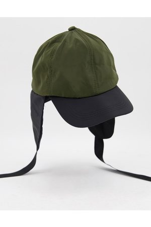 SVNX Cap with strap detail