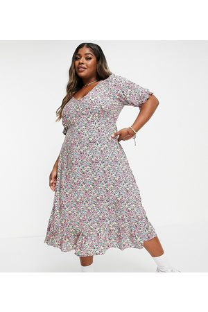 New Look Plus New Look Curve floral v neck button 3/4 sleeve tiered midi dress in pattern