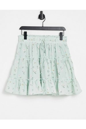 Love Triangle Tiered smock waist mini skirt in mint floral co-ord-Multi