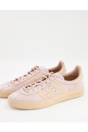 adidas Broomfield trainers in and pink-Neutral