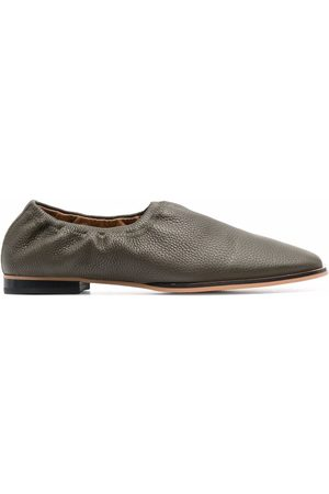 12 STOREEZ Grained-leather loafers