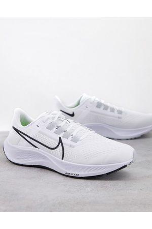 Nike Air Zoom Pegasus 38 trainers in
