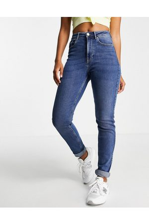 Pieces High waisted slim mom jeans in mid wash