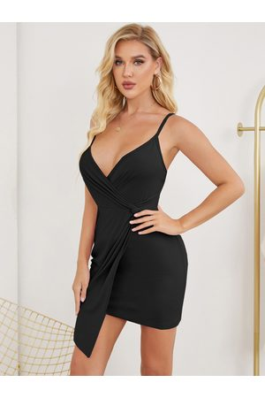 YOINS Backless Design Twist Asymmetrical Hem Mini Dress