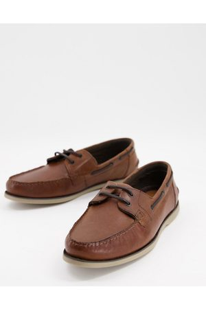 ASOS DESIGN Boat shoes in leather with gum sole