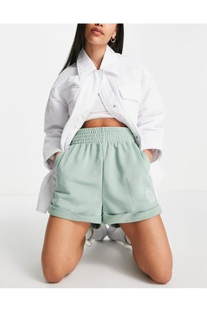 Nike High rise shorts in light
