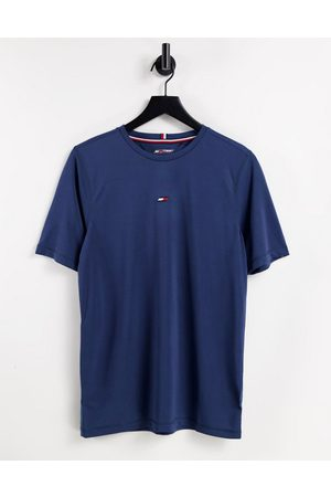 Tommy Hilfiger Men Short Sleeve - Performance t-shirt with small chest flag logo in