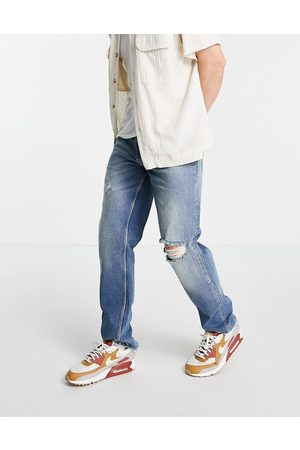 ASOS DESIGN Men Straight - Original fit jeans in tinted mid wash with knee rip and destroyed hem