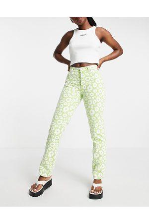 ASOS DESIGN Women Straight - Mid rise '90's' straight leg daisy print jean in green-Multi