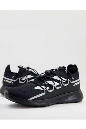 adidas Adidas Outdoors Terrex Voyager trainers in