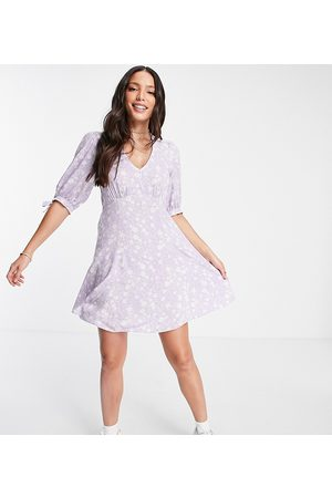 New Look Tall V neck tie sleeve mini dress in lilac floral
