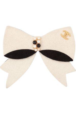 CHANEL 2002 CC bow brooch