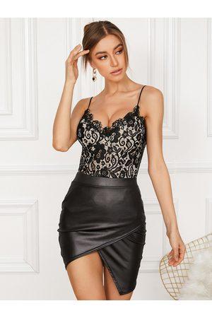 YOINS Women Tank Tops - Lace Backless Design Spaghetti Strap V-neck Sleeveless Cami