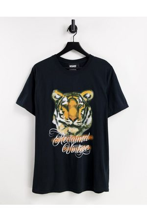 Reclaimed Vintage Inspired unisex oversized t-shirt with y2k spray paint tiger graphic