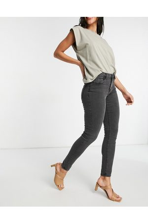 Vero Moda Organic cotton blend skinny jeans in washed