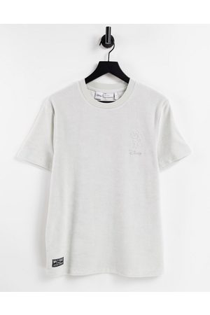 ASOS Men Sets - Co-ord towelling t-shirt with Mickey print in charcoal