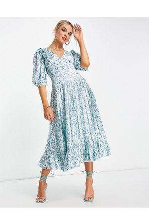 ASOS DESIGN Satin pleated midi tea dress in blue ditsy floral print-Multi