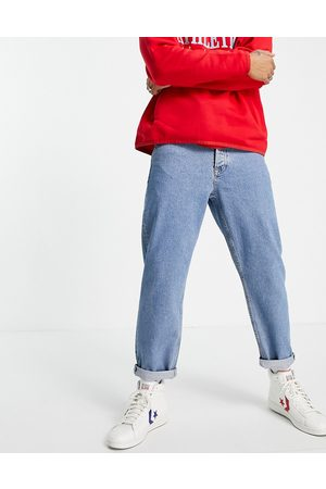 Topman Relaxed jeans in mid wash