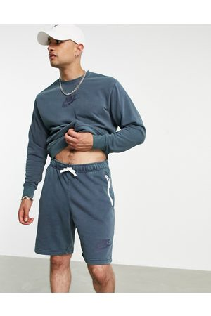 Nike Men Sports Shorts - Washed shorts with embroidered logo in