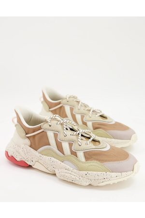 adidas Ozweego trainers in earth -Neutral