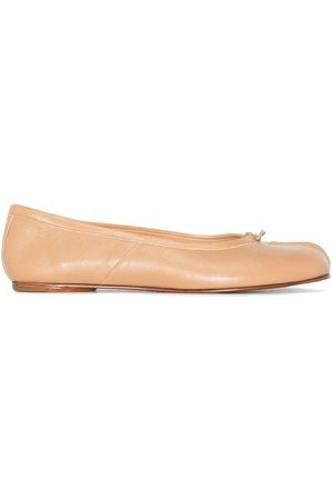 Maison Margiela Women Ballerinas - MARGIELA TABI FLT PMP ROTE LTHR