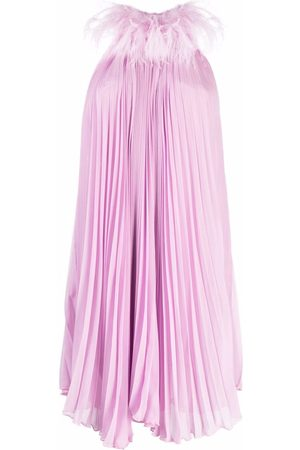 Styland Feather-collar pleated dress