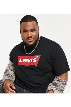 Levi's Men Short Sleeve - Levi's Big & Tall t-shirt in with large batwing logo