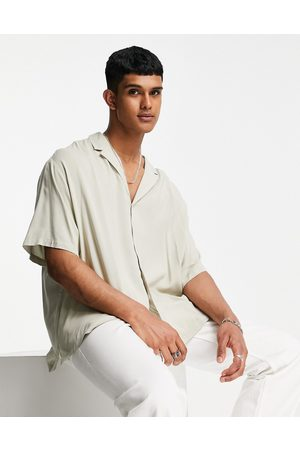 ASOS Men Short sleeves - Relaxed viscose shirt with revere collar in beige
