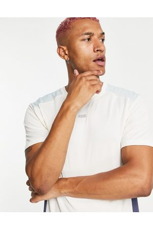 ASOS Men Sports T-shirts - Easy fit training t-shirt with contrast panels