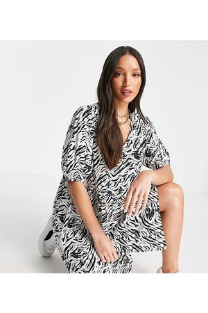 Noisy May Women Casual Dresses - Exclusive button through smock mini dress in animal print-Multi