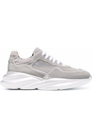 Philipp Plein Women Sports Shoes - Velvet Runner metallic-effect sneakers