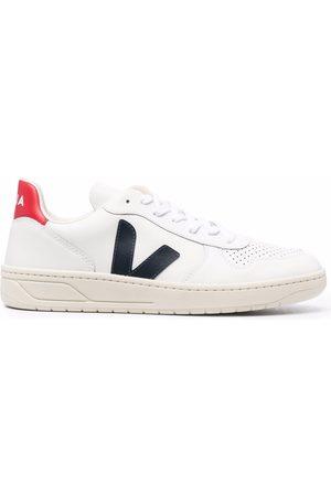 Veja Men Sneakers - V-10 low-top sneakers