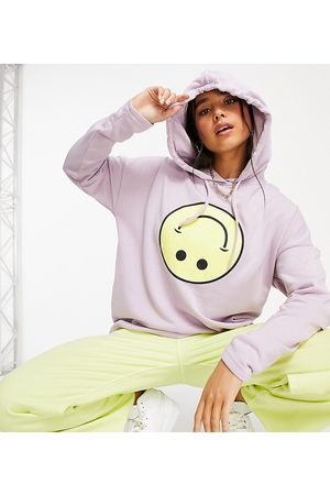 Noisy May Exclusive hoodie with smiling face graphic in lilac