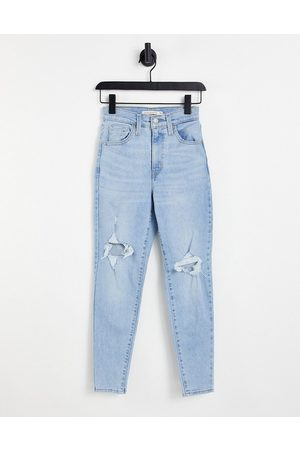 Levis Levi high waisted ripped mom jean in ligh wash