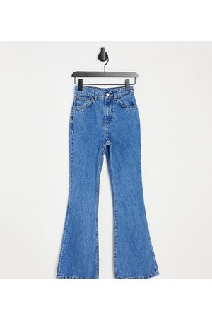 Reclaimed Vintage Inspired 99' flare jean in pretty