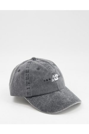 New Balance Logo cap in washed