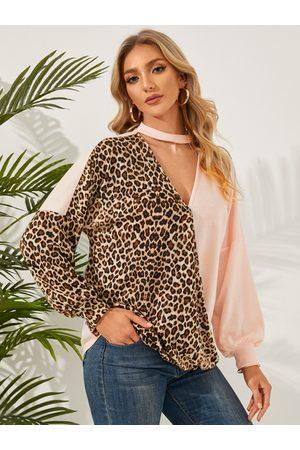 YOINS Leopard Patchwork Wrap Design V-neck Sweatshirt