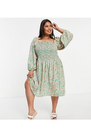 Only Curve Midi smock dress with shirring and volume sleeves in green floral print-Multi