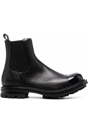 Alexander McQueen Contrasting-toe Chelsea Boots